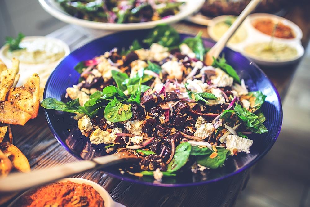Extra Portion Gemüse und Protein - So überstehst Du die Feiertage ohne extra Kilos