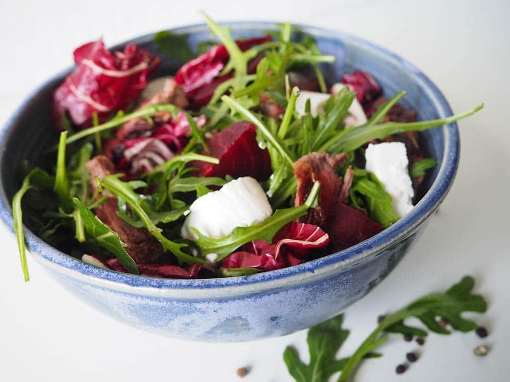 Fitness Salat mit Rote Bete, Rucola und Ziegenkäse