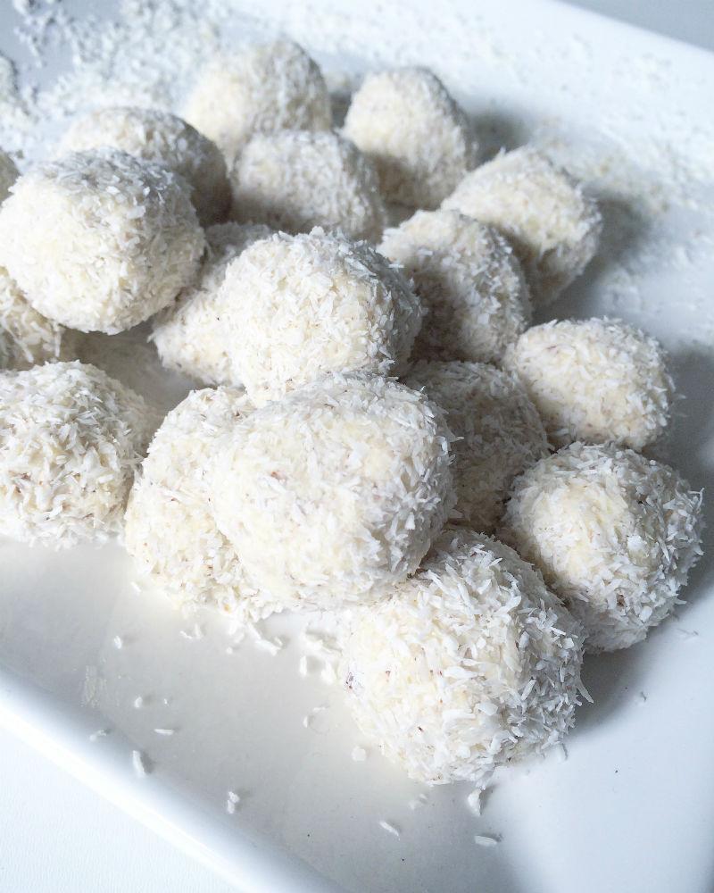 Sündenfreie Protein Kokosbällchen
