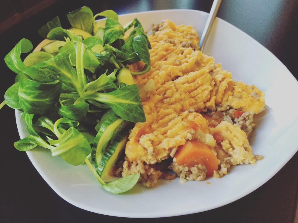Paleo Schäferkuchen mit Salat