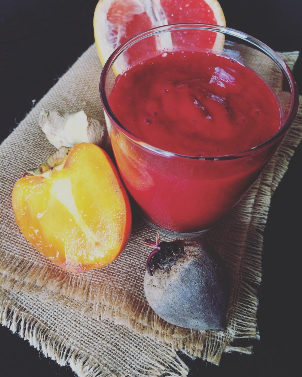 Winter Smoothie mit Rote Beete, Kaki, Grapefruit